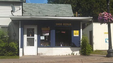 Sam's Shoe store front_R