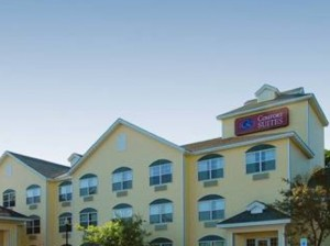 Comfort-suites-hotel-marquette-michigan