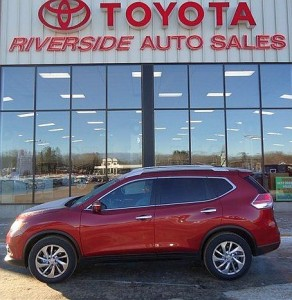 2014 Nissan Rogue at Riverside Marquette.