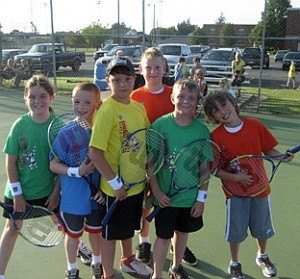 Midwest Youth Team Tennis players.