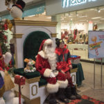 The kids were so many to get their picture taken with Santa.