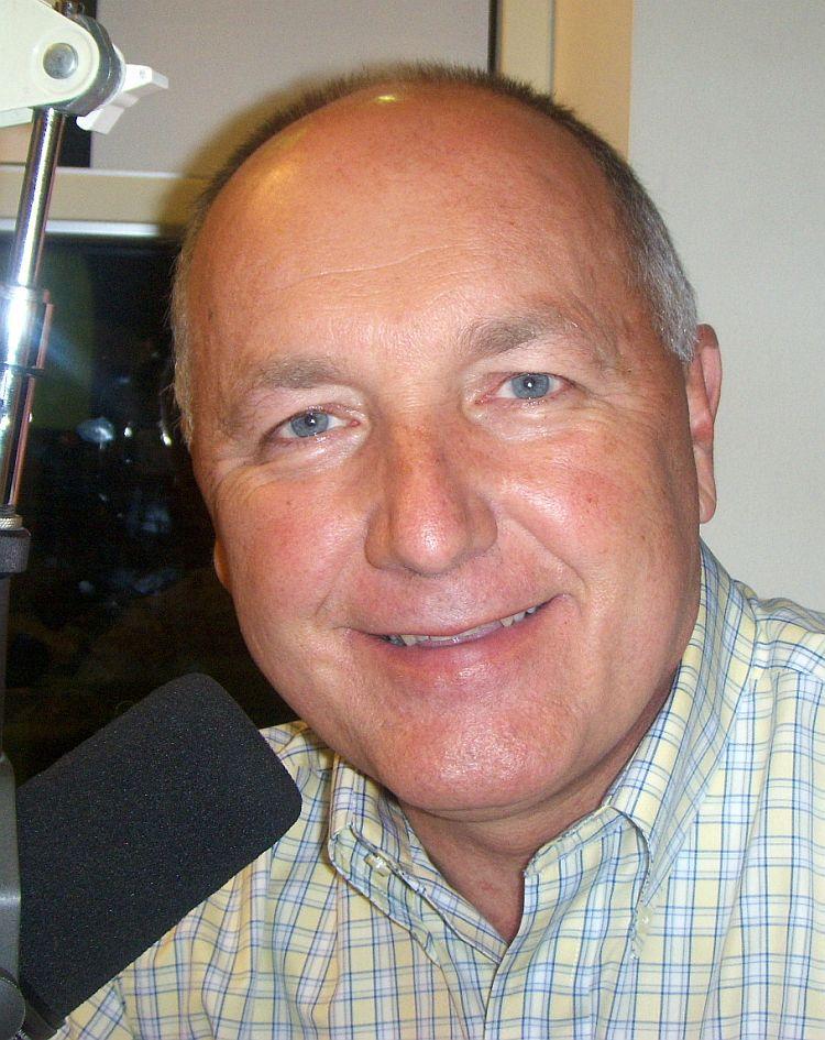 Pete-Hoekstra-WKQS-FM-906-228-6800