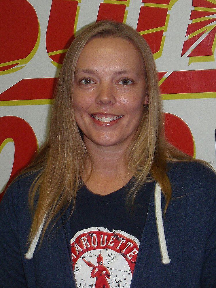 Amy-Lakenen-WKQS-fm-906-228-6800