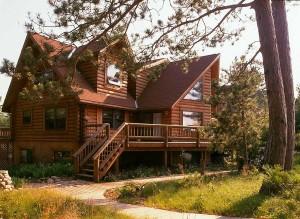 Build your dream home with Hiawatha Log Homes, Inc.