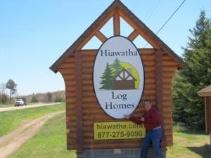 Hiawatha Log Homes 2015 Behind the Scenes 01