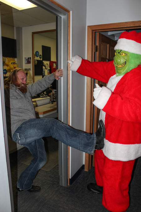 2015_Tree_Lighting_Ginch_In_the_Station-10