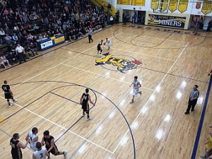 The Negaunee Miners won 51-49 against the Iron Mountain Mountaineers on Sunny.FM.