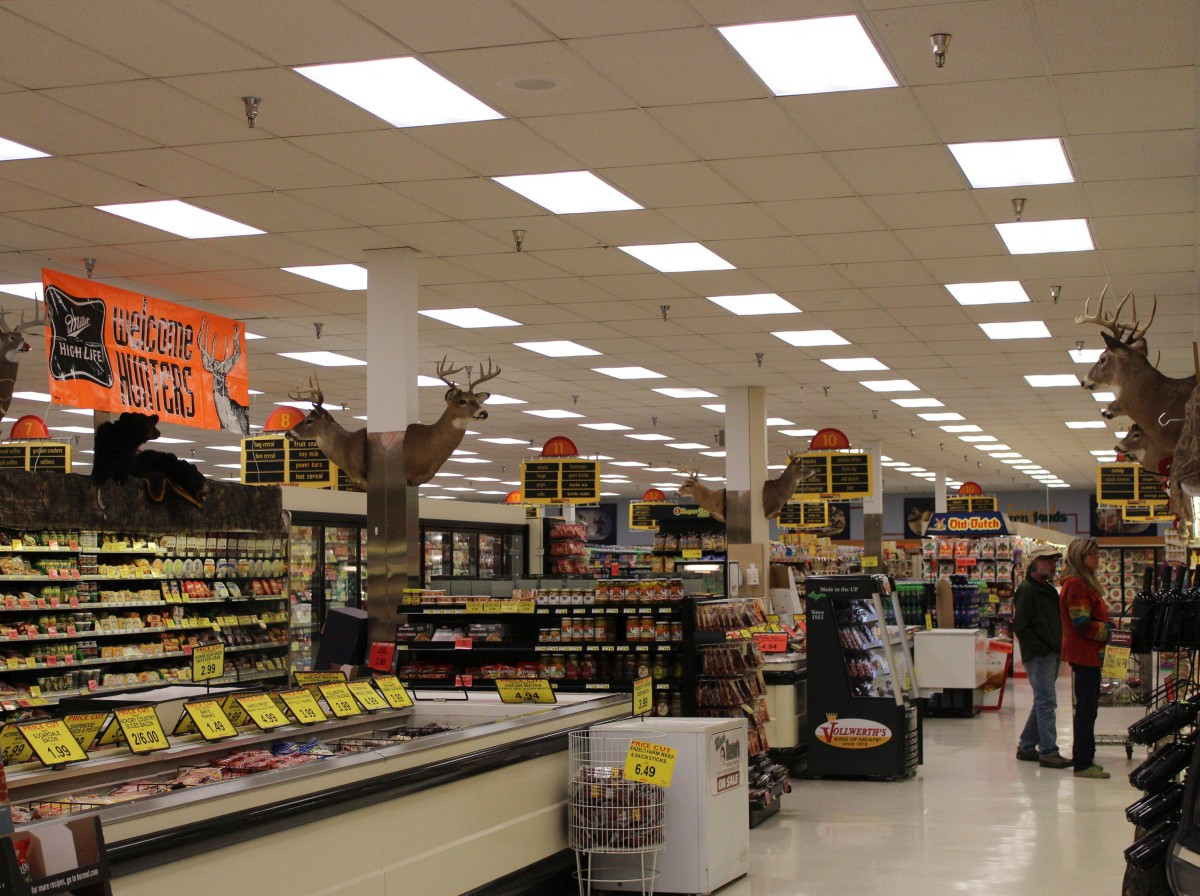 super-one-foods-marquette-2-day-hunters-sale-november-2016-005