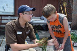 Brad and Edley Examine Aquatic Invertebrates by Alaina Vouaux_USFWS