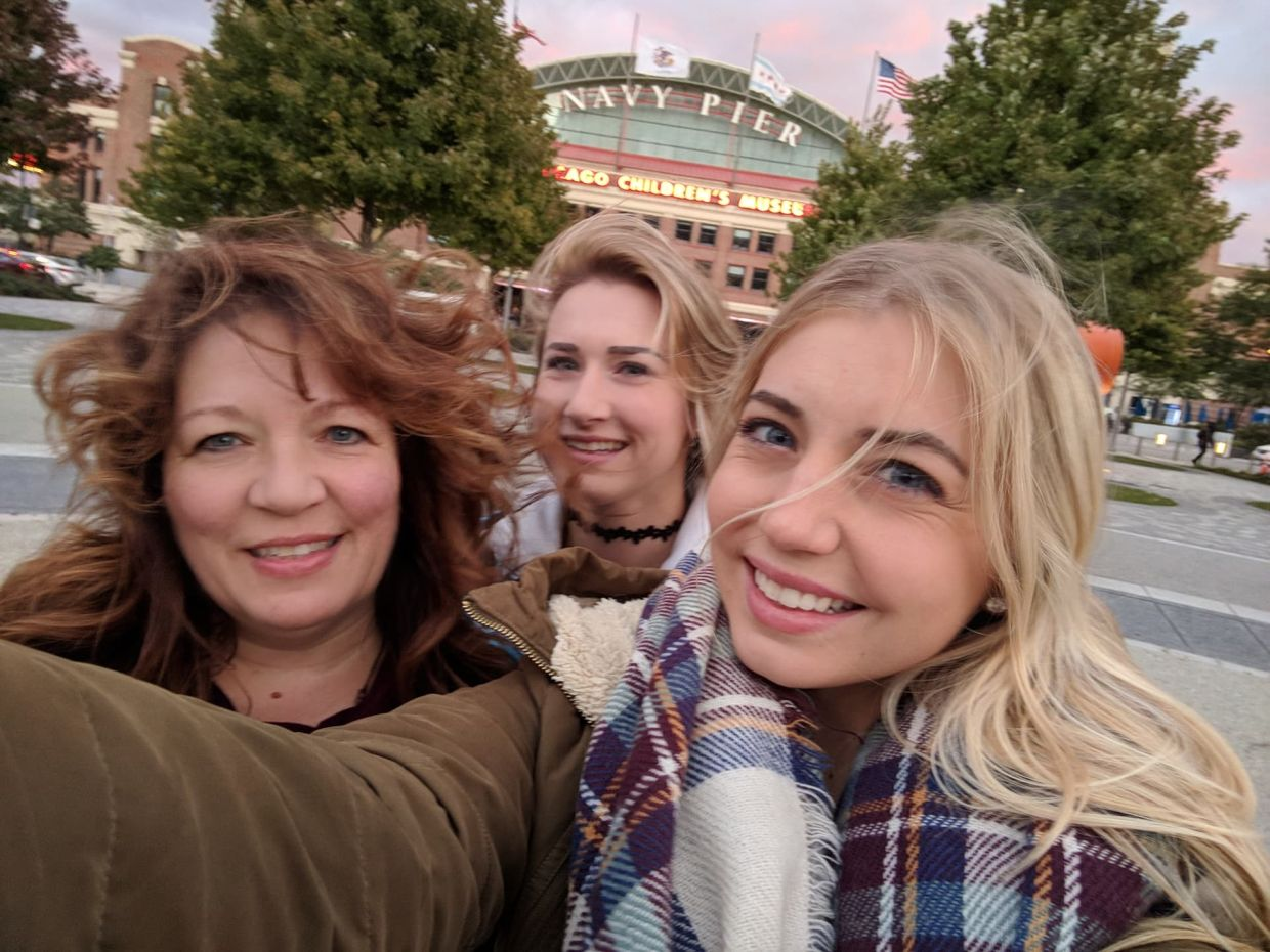 Kelsey, her mom Lisa, and her sister Macy at Chicago's Navy Pier, The Sunny Morning Show