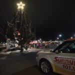 Sunny.FM was reporting live from the tree lighting.