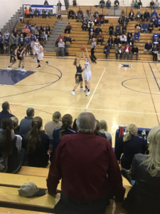 Ishpeming trying to move the ball into scoring range against the Negaunee Miners on Sunny.FM