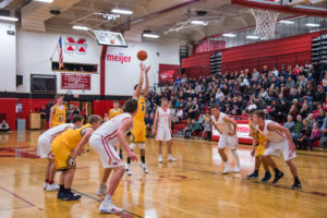 A free throw for the Negaunee Miners.