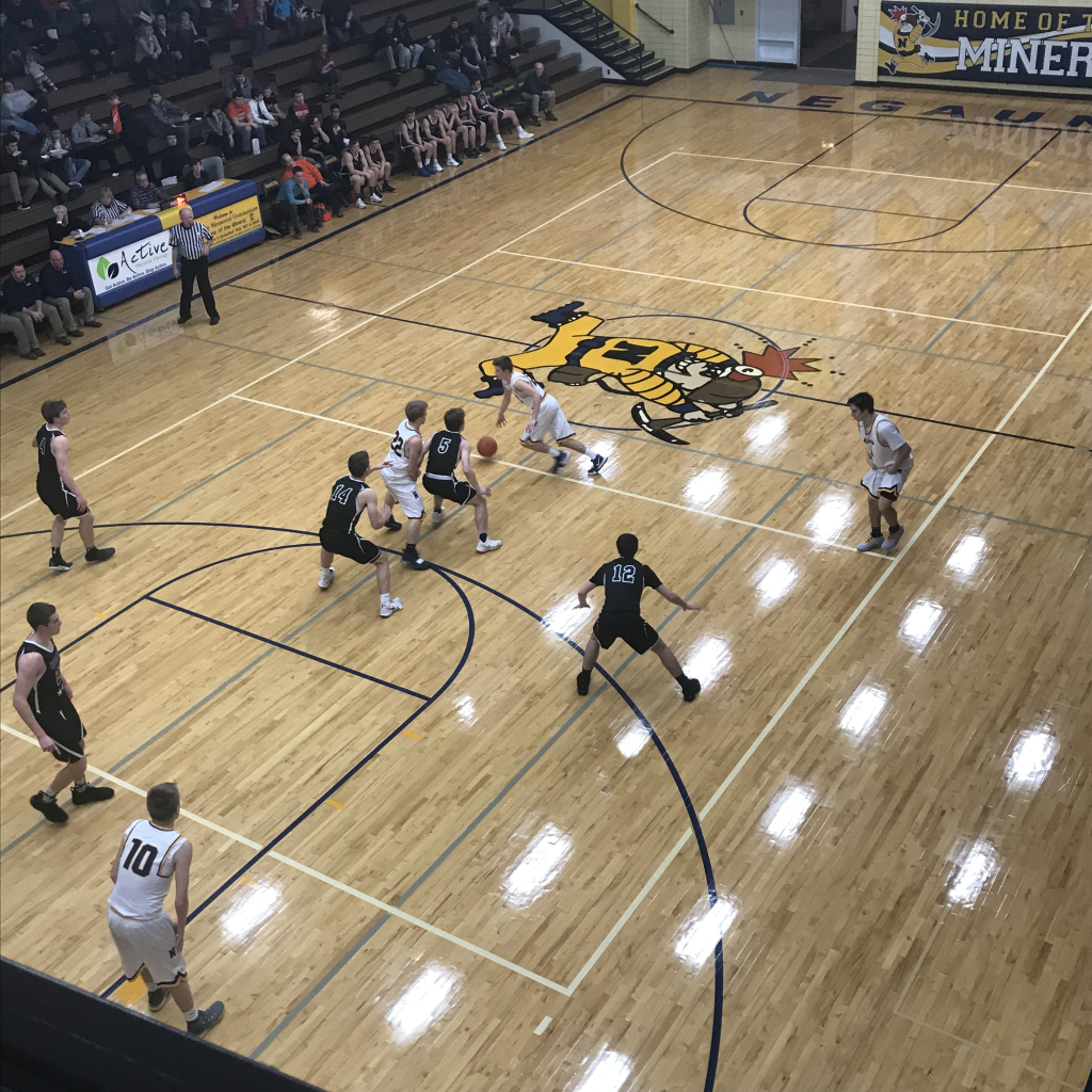 The Negaunee Miners boys basketball team faces the Houghton Gremlins on Thursday, January 3rd, 2019 on Sunny.FM