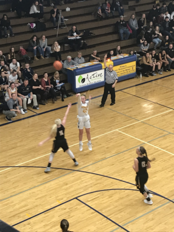 The Miners shoot a three-pointer in their 45-29 defeat of the Gwinn Modeltowners 45-29 on 101.9 SunnyFM.