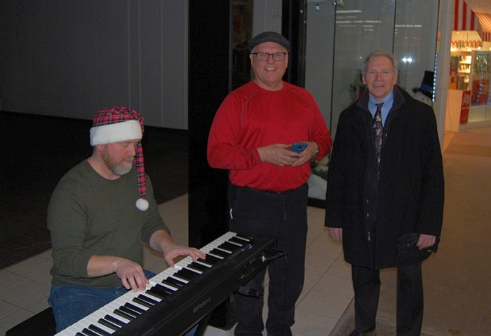 Music at the Mall - Jason Elsenbroek with Todd Noordyk and Marquette Township Manager Randy Girard